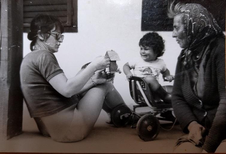anyukám, én és Vilma