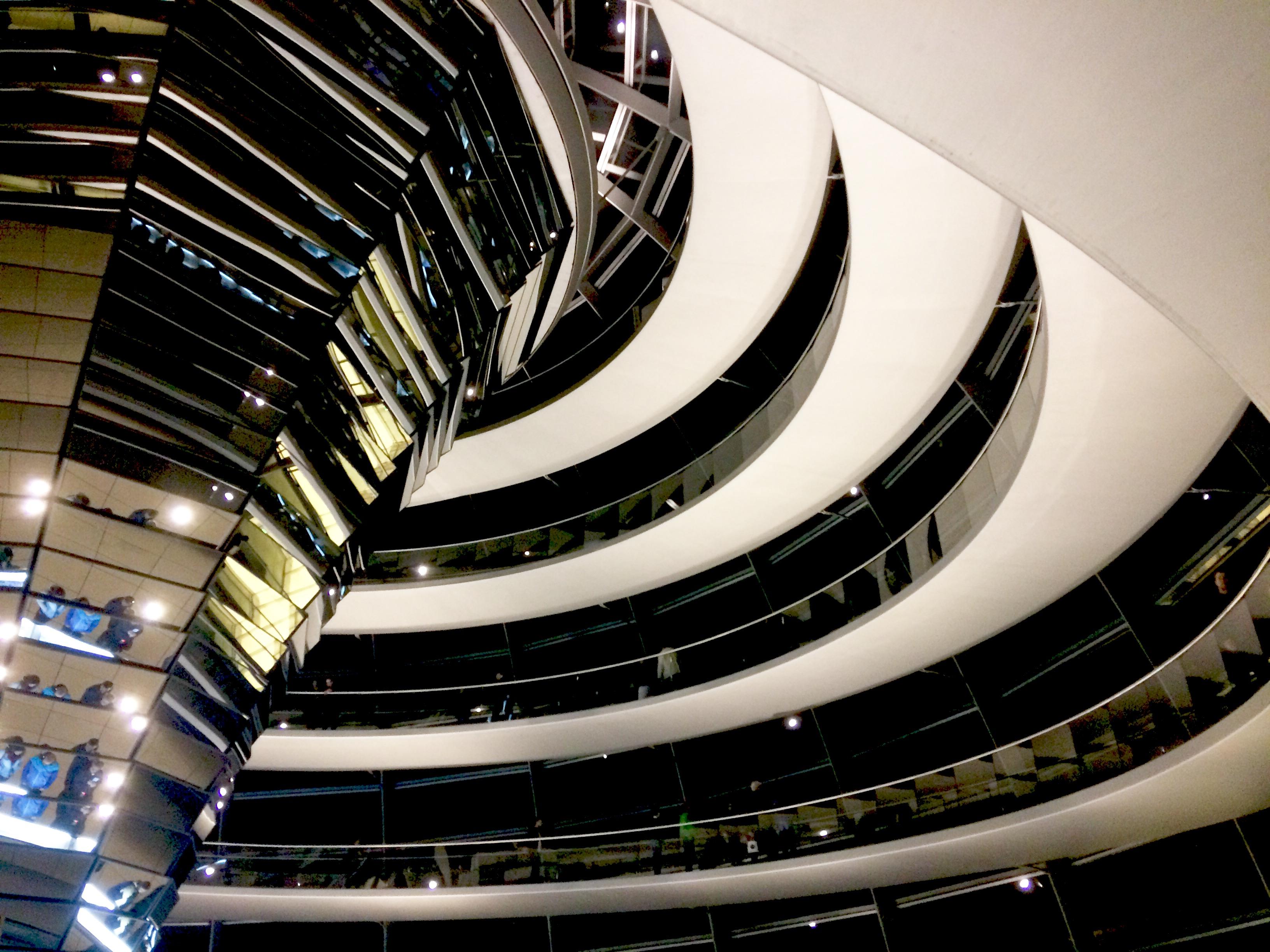 A Reichstag kupolájának fantasztikus folyosója