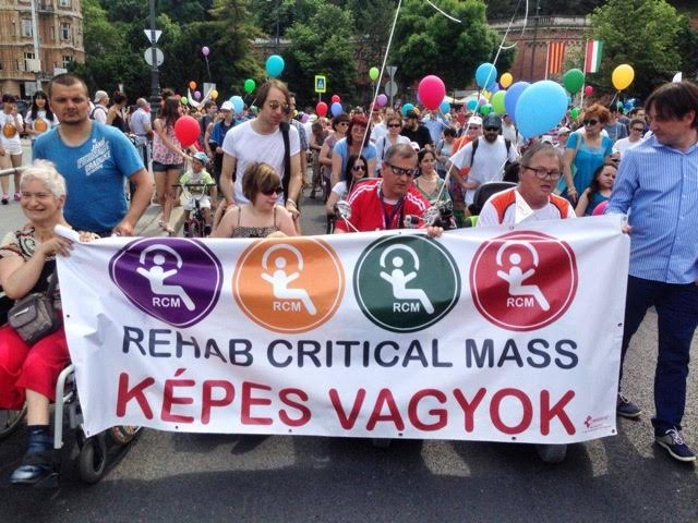 A felvonulás, Szilágyi Lenke fotója