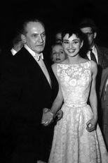 Hubert és Audrey 1954-ben, a 26. Oscar-gálán, amikor Hepbrun elnyeri a legjobb női főszereplőnek járó díjat