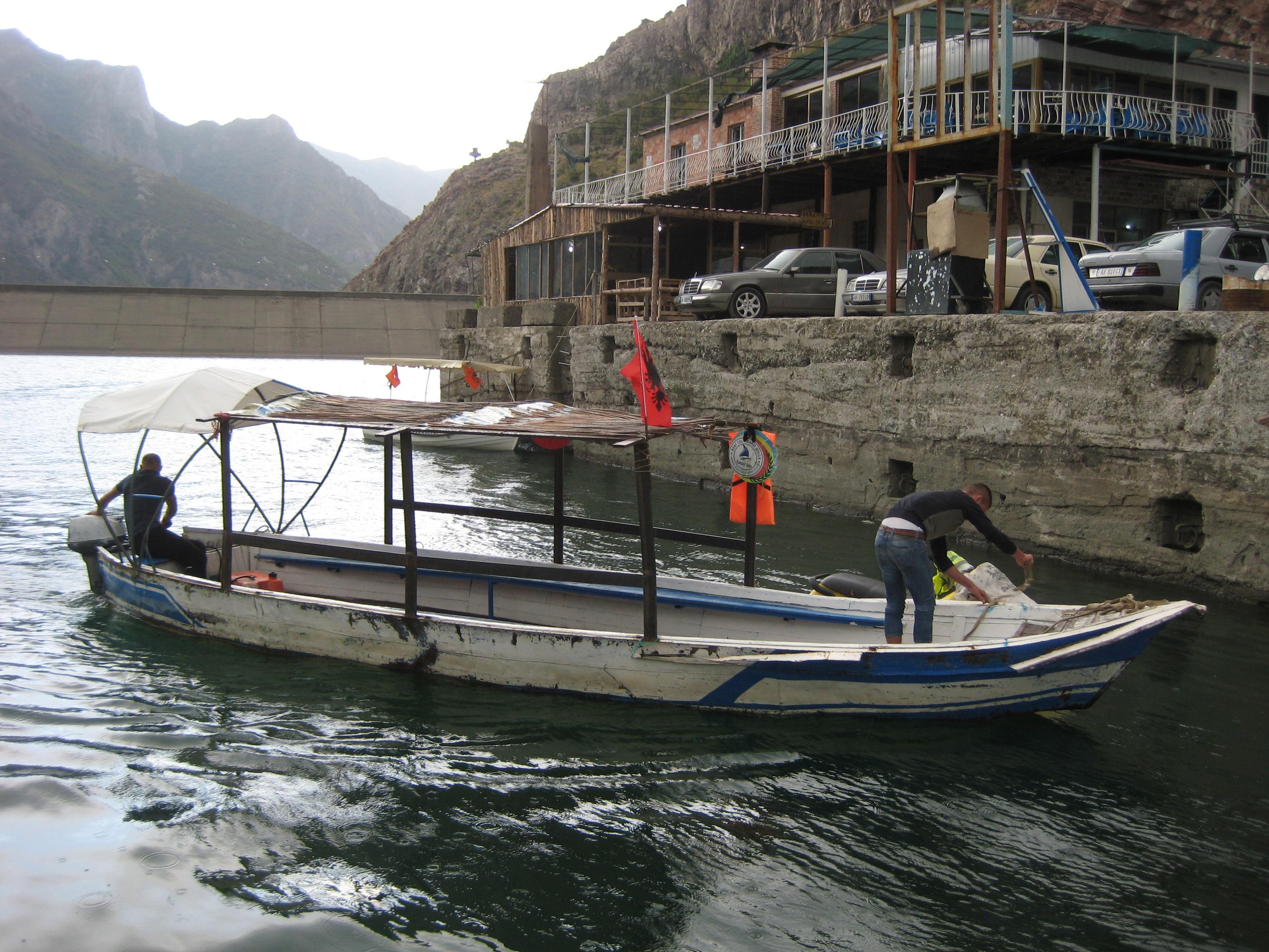 Hajózás a Drin-tavon