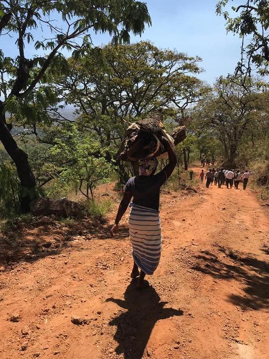 nő találkozó afrikában)